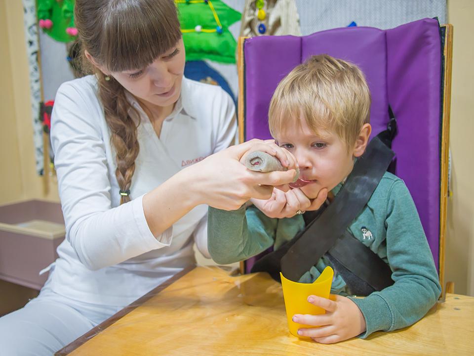 Эрготерапия — Реабилитационный центр Движение в Херсоне. Реабилитация детей с аутизмом